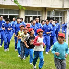 Evacuation drills for schoolchildren in Kamaishi