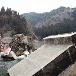 video-japan-breakwaters-articleLarge-v3