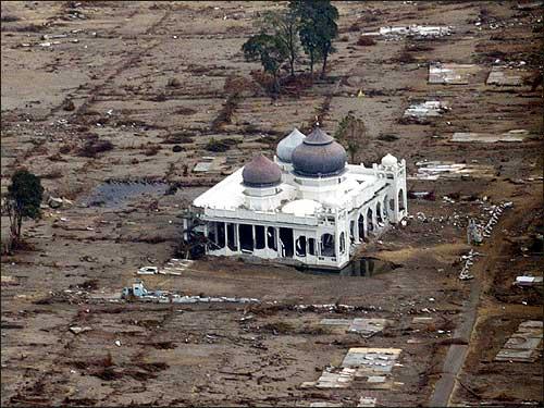 Tsunami Aceh11